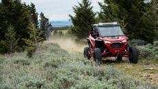 2020-rzr-pro-xp-premium-indy-red_SIX6449_01214.jpg